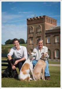 Alexander Tom & Dogs